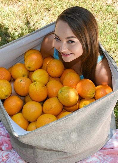 Sabrina Rey - Orange You Glad Im So Tiny