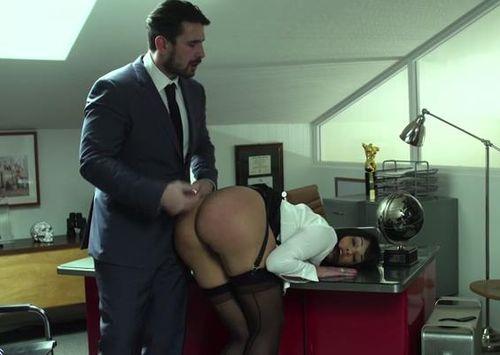 Протестировал новую секретаршу
