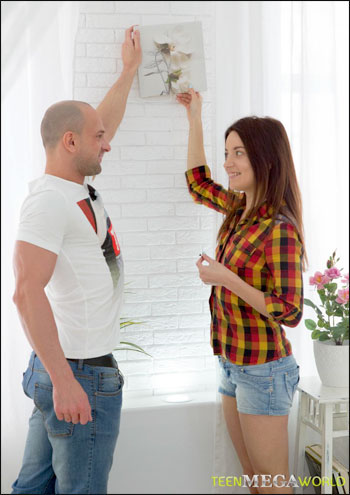 Roxy Dee - Muscular lad comes to girl`s anal rescue