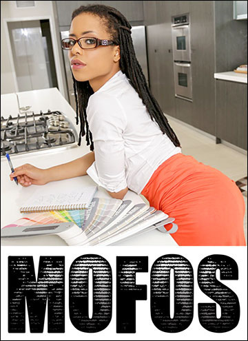 Kira Noir - Abs and Ass on Thin Babe Kira